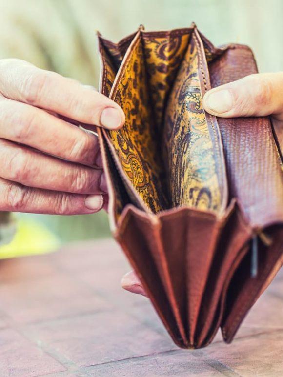 ¿Qué ocurre si no hay dinero para un entierro?